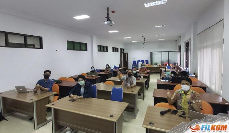 Pelatihan dan Pendampingan Penggunaan Website Program Studi sebagai Sarana Penyampaian Informasi Akademik Perguruan Tinggi pada Jurusan Teknik Pengairan UB